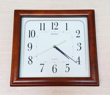 (Hết hàng) Đồng hồ Seiko Vỏ Gỗ Vuông – Máy SKP - Mã số: SK GV761