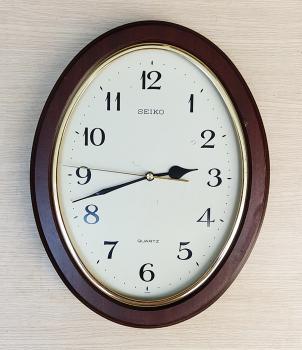 Đồng hồ Seiko Vỏ Gỗ Hình Oval – Máy SKP - Mã số: SK G613