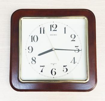 Đồng hồ Seiko Vỏ Gỗ Đặc, Viền màu đồng – Máy Seikosha Japan có nút tắt mở - Mã số: SK GVVĐ