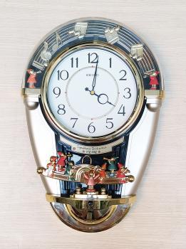 Đồng hồ Seiko Dàn Nhạc Giao Hưởng (Symphony Orchestra) ZigZag, Quả Lắc cách điệu và Nhạc Báo Giờ - Mã số: SK AM610