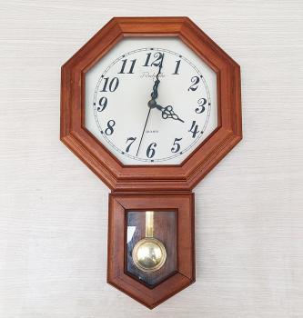Đồng hồ Recherche Nhật, Gỗ Bát giác có Quả Lắc