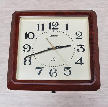 Đồng hồ Citizen Nhật Màu Nâu Vân Gỗ, Vỏ dày Sang trọng, Chữ số Nổi – Máy lớn Pin trung - Mã số: CTZ 311 (Hư)