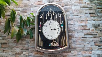 Đồng hồ Seiko hình Chuông, Quả Lắc Kèn Tây, 8 Quả Chuông lắc Nhạc Báo giờ - Mã số: SKP 537